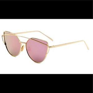 Accessories - 🆕💕Gradient lens cat eye sunglasses rose gold